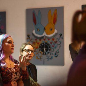 """Näitus """"Alice imedemaal"""" Tallinn, TEST pop-up galerii, 2016. Intervjuu telekanalile ETV+, kultuurisaade """"Rabarbar"""""""