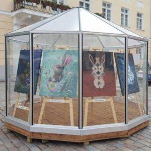 "Näitus ""Lend 2016"" Lõputöö kaitsmine Tartu raekojaplatsis, 2016"